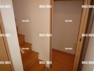 茨木市賃貸アパート Pixie|階段下収納.jpg