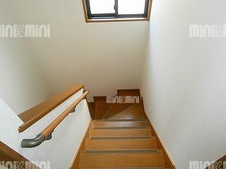 ルグランソシエS棟の階段